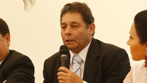 Roberto Chale arregló con la 'U' y se quedará hasta diciembre