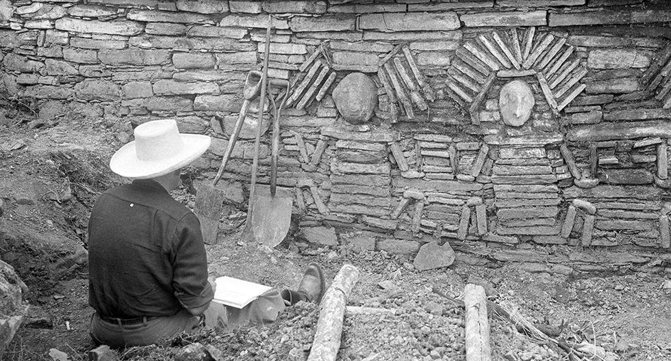 Nuestro enviado especial Alfonso Morales Cazorla viajó, en junio de 1966, hasta la fortaleza de Pajatén acompañando al arqueólogo italo peruano Duccio Bonavia quien realizaría las primeras investigaciones sobre la cultura Chachapoya. Foto: Archivo Histórico El Comercio
