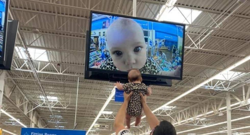 Un padre y su hija protagonizaron una foto viral al interior de un supermercado que desató reacciones y comentarios de todo tipo en las redes sociales. | Crédito: @keri_wtf / Twitter.