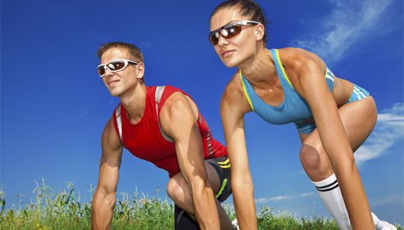 Las lentes para correr son de suma importancia pues evitarán que el polvo y el viento dañen nuestro ojos.