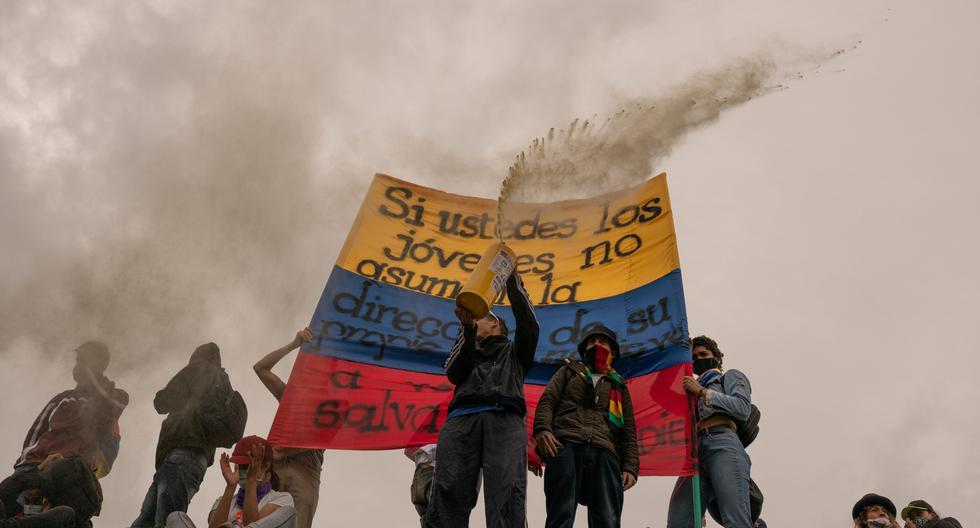 Las protestas en Bogotá, Cali y las principales ciudades de Colombia iniciaron el 28 de mayo. Los manifestantes exigen al gobierno de Iván Duque mejoras en muchos frentes, así como una reforma policial. (Foto: Andrés Cardona / Bloomberg)