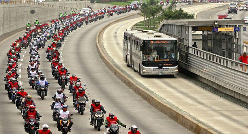 El Desfile patrio Expomoto 2013, organizado por la Asociación Automotriz Perú (AAP) consiguió un record de Guinness World Records el 7 de Julio de 2013 para la mayor cantidad de marcas de moto en un solo desfile.