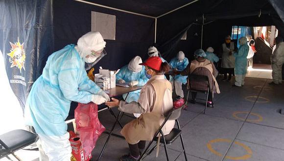 Personal de la comuna de Arequipa y una empresa privada se encargarán de desinfección de las distintas puestos y pasadizos del centro de abastos.