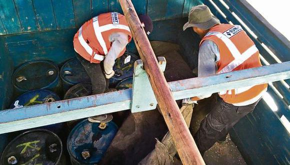 Incautan combustible que iba a abastecer a minería ilegal