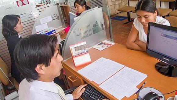 Las Cajas Municipales de Ahorro y Crédito (CMAC) decidieron reprogramar las obligaciones crediticias de sus clientes (Foto referencia: Archivo El Comercio)