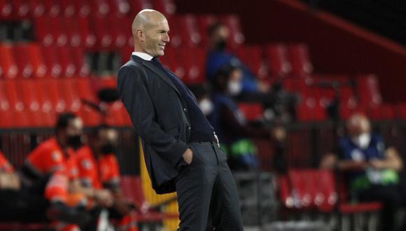 Zinedine Zidane dio pistas sobre su futuro con Real Madrid. (Foto: AP)