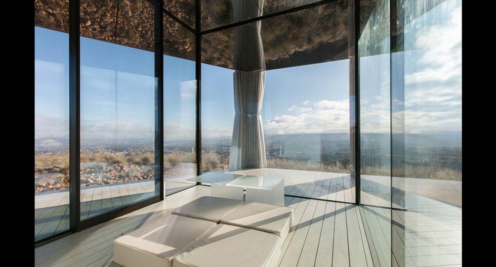 La Casa del Desierto es una vivienda completamente acristalada. Eligiendo las ventanas adecuadas, se puede crear un espacio interior perfecto. (Foto: Difusión)