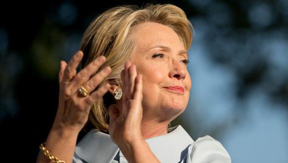 Clinton se recupera de neumonía y retoma campaña presidencial