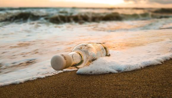 Estudiantes japoneses enviaron un mensaje en una botella y 37 años después llegó a Hawái. (Foto: Pexels)