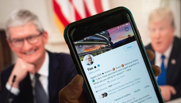 El director ejecutivo de Apple cambió su apellido en Twitter en respuesta al desliz de Donald Trump viralizado en redes sociales. (Foto: AFP)
