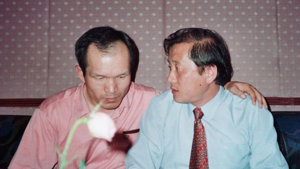 Park Chae-seo con un contacto de la Agencia de Seguridad norcoreana.