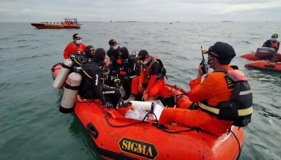 La operación de búsqueda y rescate para el vuelo SJ182 de Sriwijaya Air que perdió contacto después de despegar en Yakarta, Indonesia. (EFE).