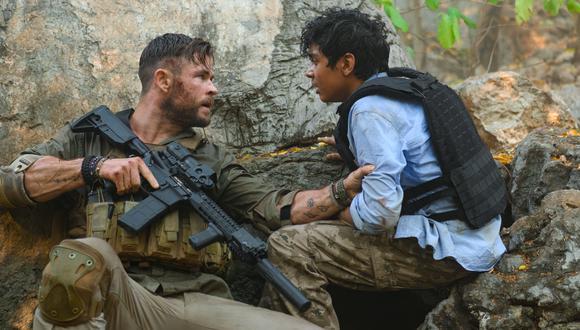 Chris Hemsworth y Rudhraksh Jaiswal en Extraction. (Imagen: Netflix)