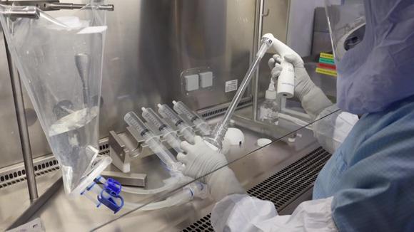 Premi Nobel ed ex presidenti chiedono la sospensione dei brevetti sui vaccini COVID-19