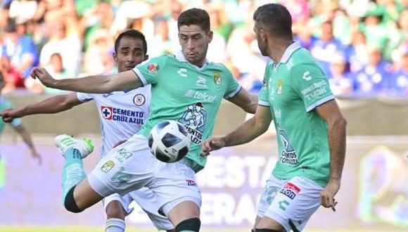 Santiago Ormeño debutó con gol en León, en partido que acabó con derrota (2-1) a manos de Cruz Azul. (Foto: Club León)