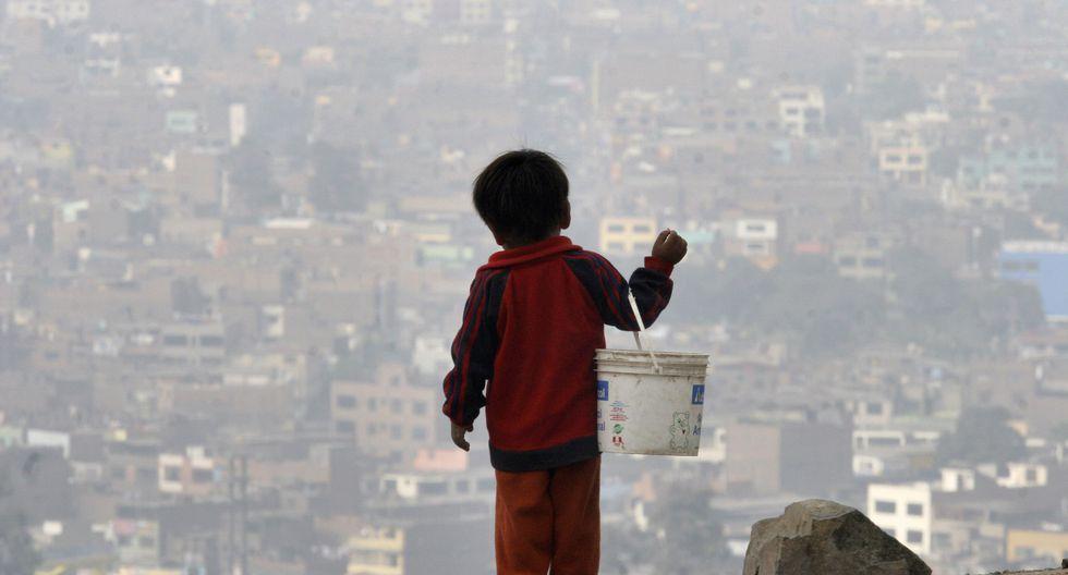 """""""Las contribuciones de Banerjee, Duflo, Kremer y muchos otros de sus colegas han transformado nuestro entendimiento de la pobreza y lo que se puede hacer para combatirla"""", sostiene De la Torre. (Foto: AP)"""