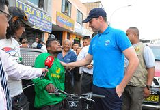 La Victoria: joven que evitó agresión a mujer recibió una bicicleta como regalo del municipio