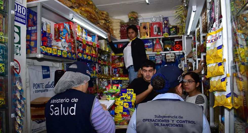Dos locales fueron clausurados por comercializar golosinas no aptas para el consumo, la tercera por resistirse a la inspección municipal. (Foto: Municipalidad de Jesús María)