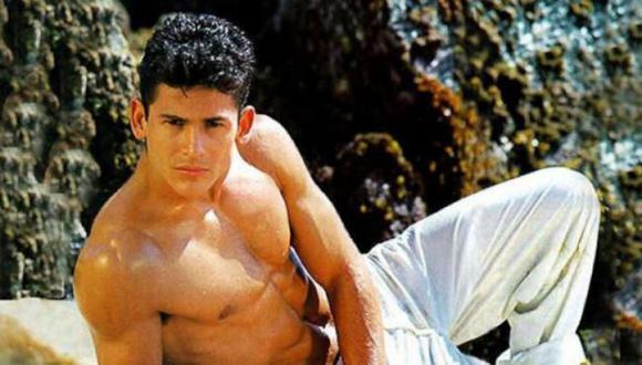 """Flavio César es conocido como cantante juvenil y por su papel protagónico en la telenovela """"Agujetas de color de rosa"""" (Foto: Televisa)"""