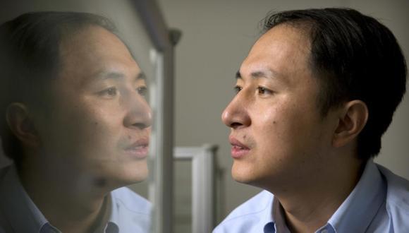 He Jiankui se encuentra bajo vigilancia del gobierno. (Foto: AP)