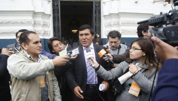 En agosto del 2011, César Cataño se presentó ante la comision de transportes del Congreso como presidente de la empresa Peruvian Airlines para dar sus descargos sobre la suspensión de su aerolínea. (Archivo El Comercio)