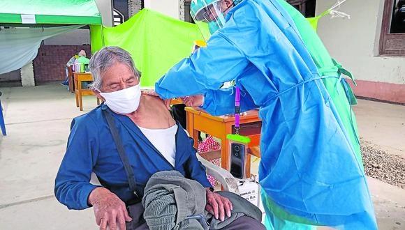 El Perú está avanzando con la vacunación de adultos mayores de 85 años. (Foto: Difusión)