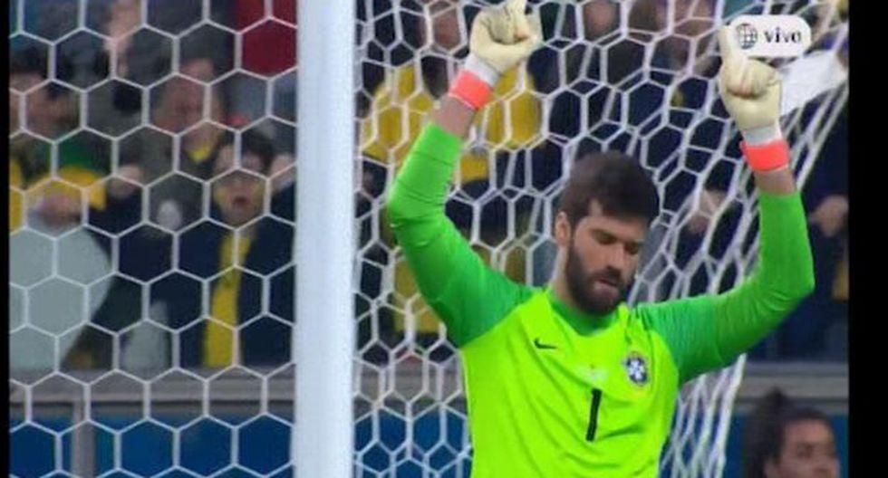 Brasil vs. Paraguay: Alisson atajó penal de Gómez. (Video: América TV / Foto: Captura de pantalla)