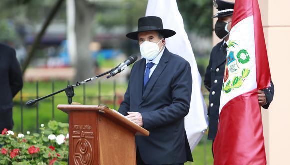 """El ministro indicó que se tomó esa decisión porque algunos escritores """"tienen sus recursos y son personajes de bastante poder"""". (Foto TV Perú Noticias)"""