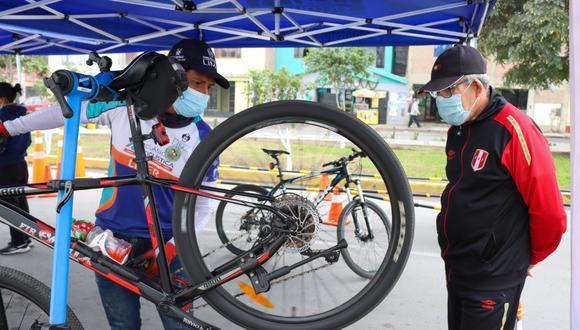 La Municipalidad de Lima facilitará bicicletas y cascos a las personas interesadas de tomar las clases gratuitas de manejo. (Foto: MML)