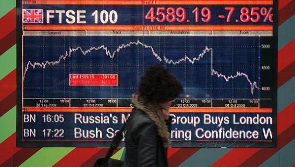 El índice FTSE-100 de Londres cerró hoy en 6,704 puntos. (Foto: AP)