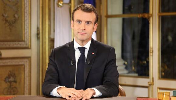 Entre otras medidas para Francia, Emmanuel Macron anunció una subida de 100 euros del salario mínimo, y la anulación de un nuevo impuesto para los jubilados con pequeñas pensiones. (Foto: EFE)