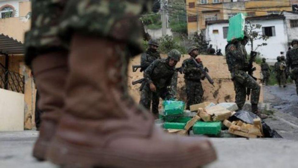 El 22 de agosto, el ejército y la policía hicieron un operativo en la favela de Chatuba, de Río de Janeiro, en el que decomisaron drogas. (Reuters)