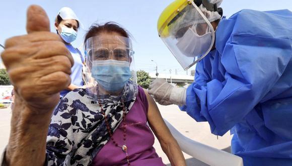 Revisa toda la información sobre la nueva estrategia de vacunación contra el COVID-19. Foto: Minsa