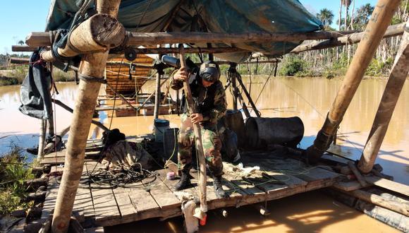 En medio del contexto del incremento internacional de precio del oro, la fiscalía ambiental realizó 75 intervenciones contra ilegales en ríos y áreas protegidas desde el inicio de la emergencia.  Foto: Fiscalía especializada en materia ambiental.