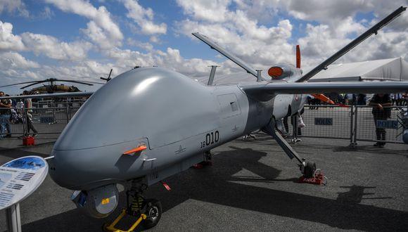 Un dron turco similar a los derribados por Siria. (Foto por OZAN KOSE / AFP).