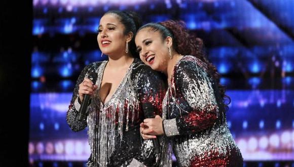 """Irene (izquierda) y Andrea Ramos, las cantantes peruanas conocidas como Double Dragon durante su presentación en """"America's Got Talent"""". (Foto: NBC)"""