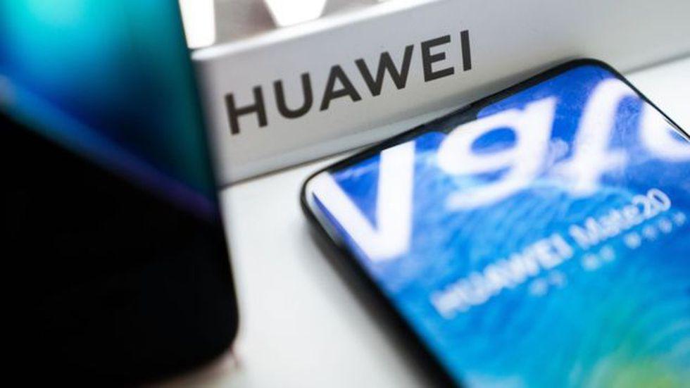 Huawei se comprometió a mantener actualizados los teléfonos ya vendidos. (Foto: AFP)