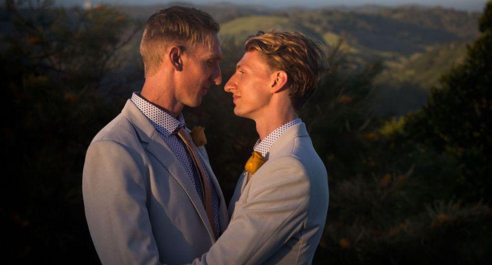 Minutos después de la medianoche, Craig Burns y Luke Sullivan se casaron. (Foto: AFP)