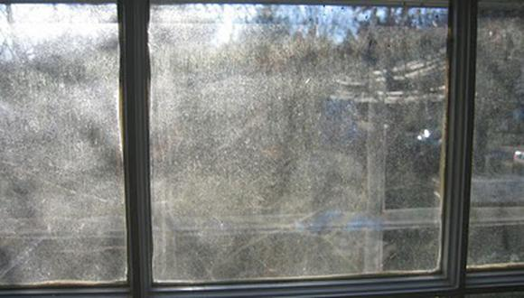 (Foto: Professional window cleaner)