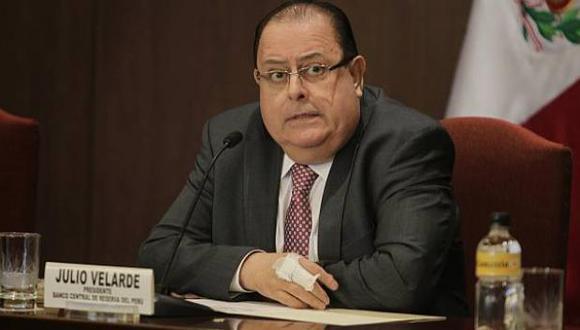 """""""Gran parte de la inversión pública incluso fue a algunos proyectos que probablemente no eran socialmente los más rentables"""", señaló el presidente del BCR, Julio Velarde."""