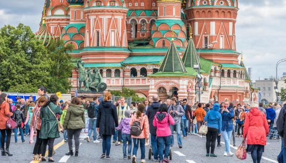 Si viajas en grupo por Europa y quieres asegurarte de que tendrás Internet ilimitado, alquila un módem WiFi portátil. (Foto: Shutterstock)