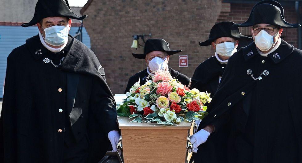 Funeral de persona con coronavirus contamina a 16 personas en Inglaterra. (Foto: AFP / DENIS CHARLET).