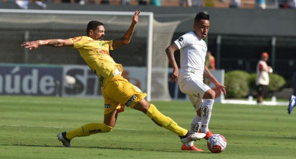 Christian Cueva jugó en Krasnodar 23 partidos de 30 que disputó su club. Sumó un total de 932 minutos y anotó un gol. Ahora en su nuevo equipo, Santos FC, ya lleva 65 minutos. (Foto: Santos)