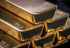 Oro cae por alza del dólar a máximos de seis semanas
