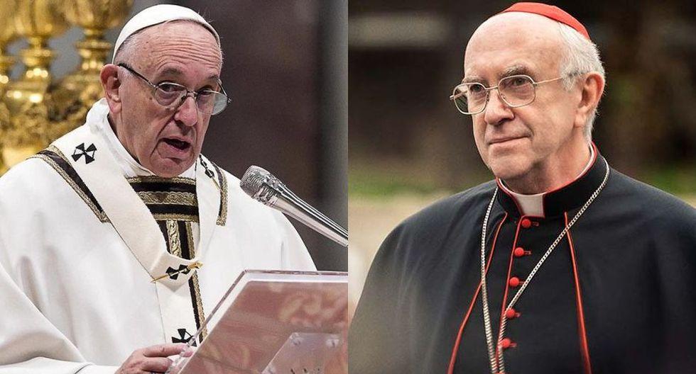 """Izq.: el argentino Jorge Bergoglio, más conocido como el papa Francisco. Der.: Jonathan Pryce en """"Los dos papas"""". El parecido físico es notorio."""