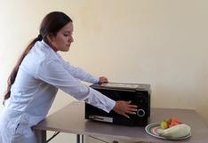 ¿Cansado de desinfectar? Dos jóvenes peruanos crean ingenioso esterilizador con un horno microondas