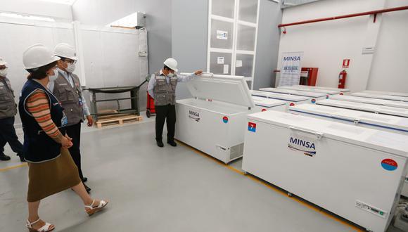 En el almacén de Cenares, ubicado en el Callao, se encuentras la cámaras de refrigeración para asegurar la cadena de frío. (Foto: Minsa)
