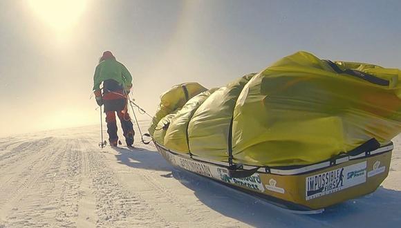 Antártida: Colin O'Brady, de 33 años, tardó 54 días en recorrer 1.600 kilómetros mientras su posición, definida por un GPS, era indicada cada día en su sitio web colinobrady.com. (Foto: AP).