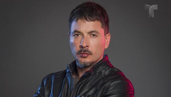 Raúl Méndez es 'Alejandro' en Enemigo íntimo y está dispuesto a acabar con el narcotrafico y los responsables, sin importarle, que sean su familia (Foto: Telemundo)
