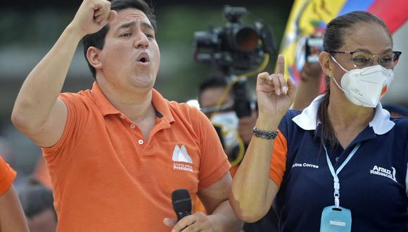 Andrés Arauz en el mitin de cierre de su campaña en Guayaquil el 7 de abril. 2021. (Foto de RODRIGO BUENDIA / AFP).